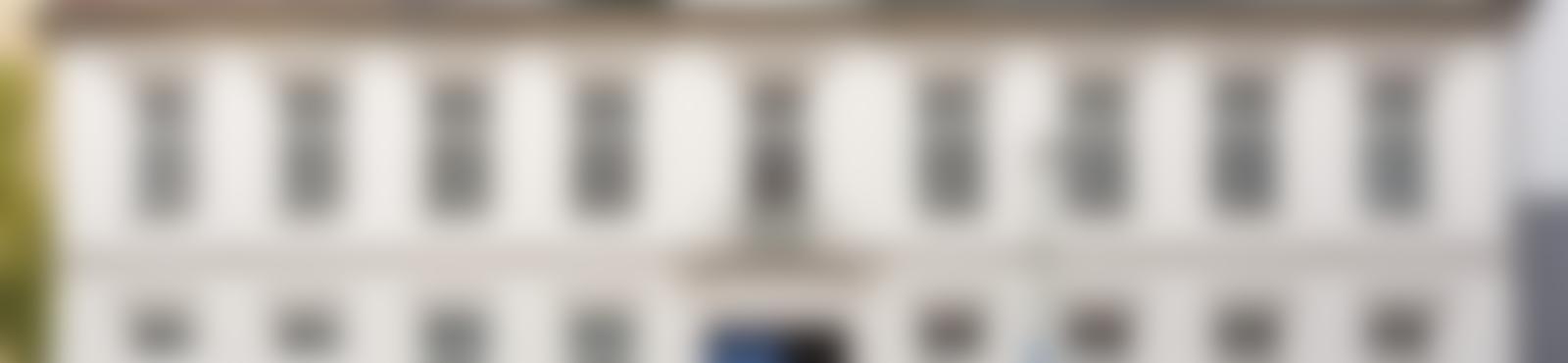 Blurred 0d5be030 1186 484c bc5b 5ef32f9a9fd9