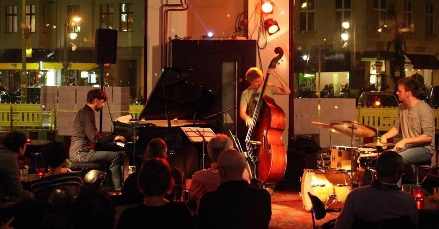 Cropped 2 stephan becker trio berlin 2013 klein