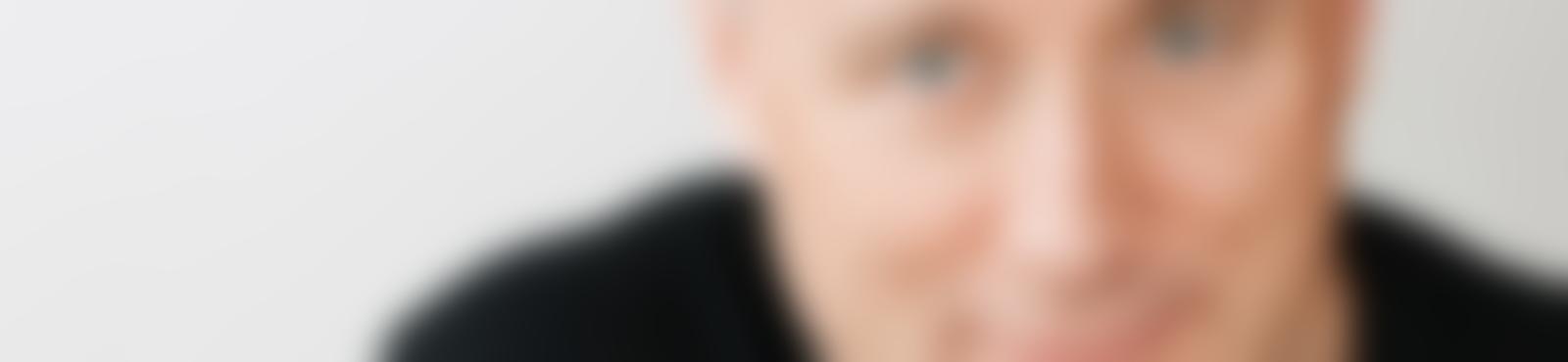 Blurred 8dfe1d75 96d8 4315 a86f 90c94e714110