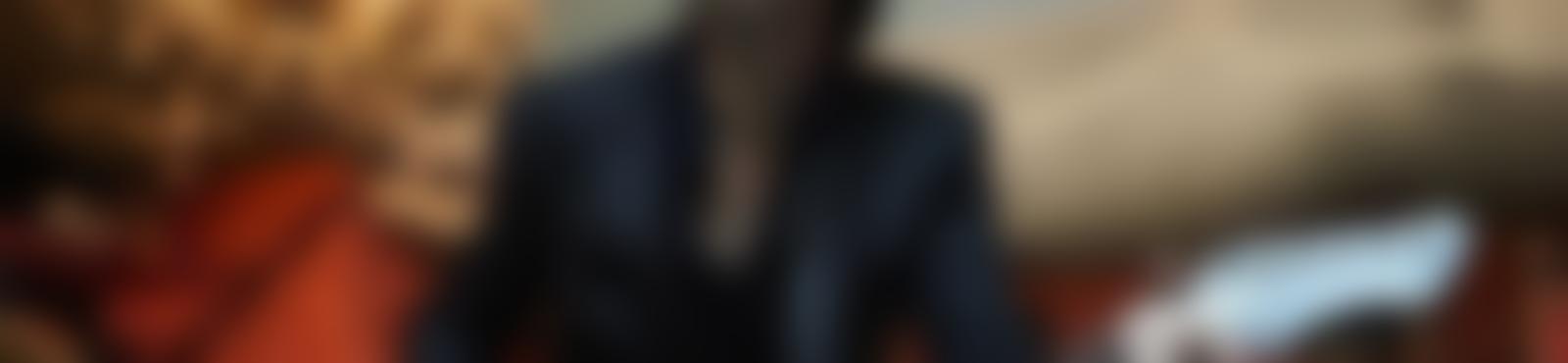 Blurred e21ac63c d393 4541 aded a890e92f3ece