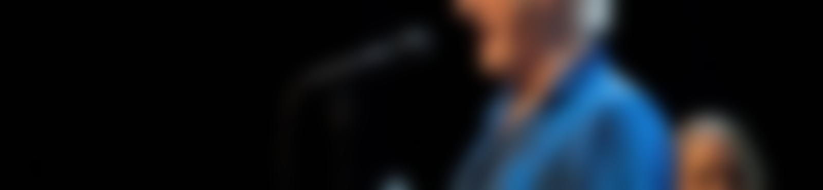 Blurred dad8dbc6 027f 4767 b717 b780f63bc03a