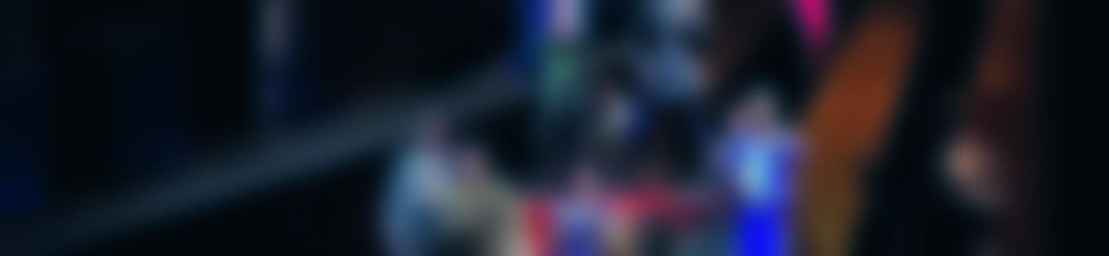 Blurred 7113566b d44a 4033 b2a9 d624924f2808