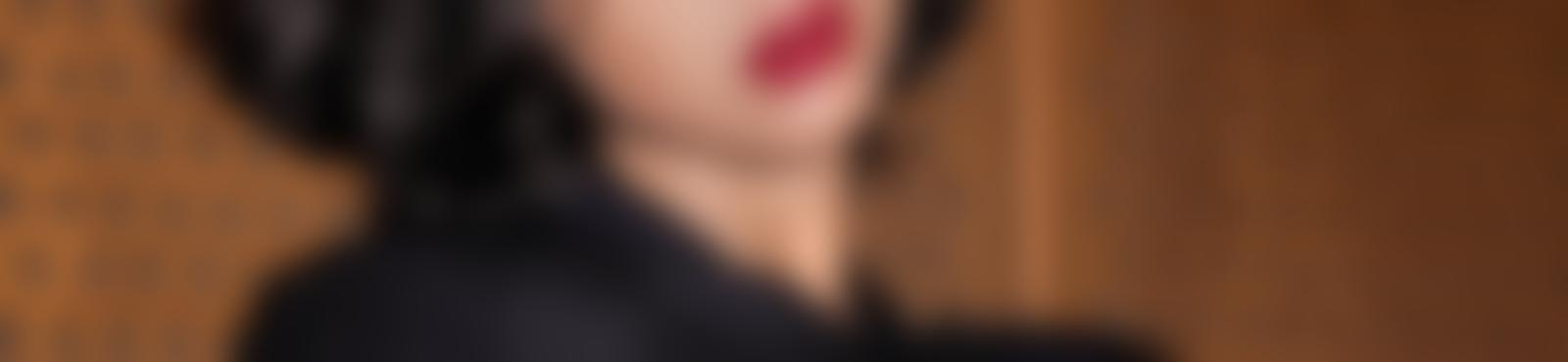 Blurred 5b8d8121 622d 4344 b921 f91114e93316