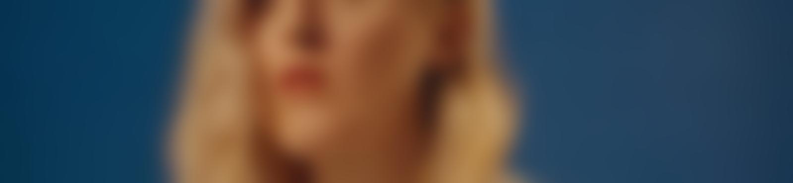 Blurred b8c56301 88e8 4012 b8f8 7ecf453d1fab