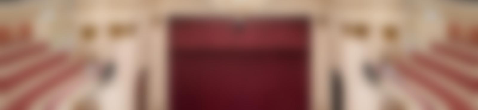 Blurred d8e9fa3a 76e3 45ee aa54 7ac18a67a345