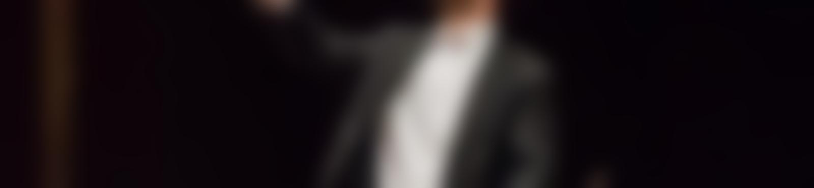 Blurred f1c2a105 56bf 4264 a38c 363b0d919ff7