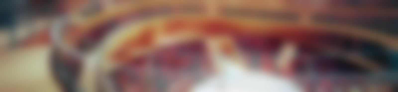 Blurred e5e8926b a326 4913 8a20 152921308821