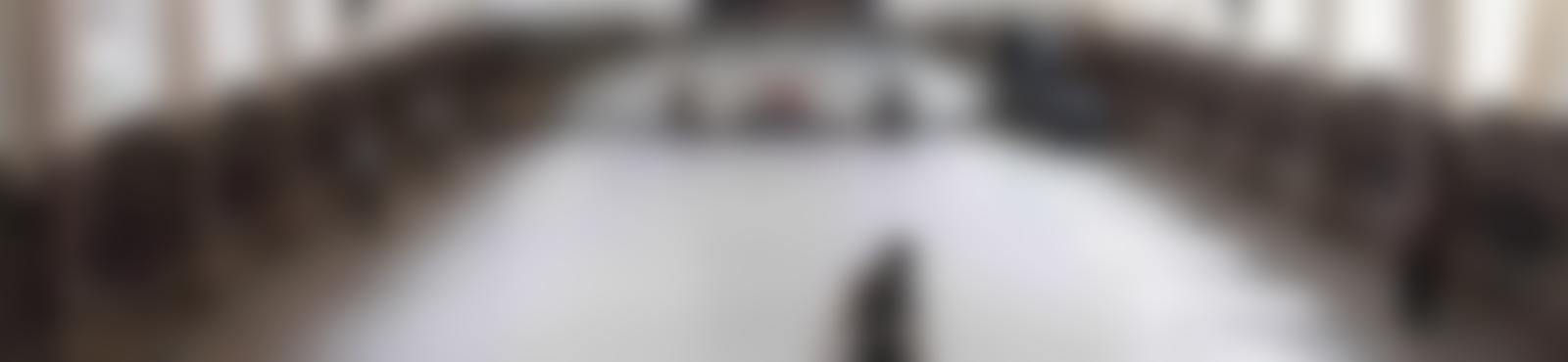 Blurred b5403f98 940e 429c 8b8e 392eabf48d9e