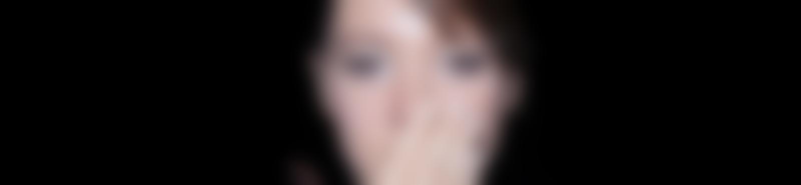 Blurred 392ab14b 42d1 4a55 aef8 3562db3a9e04